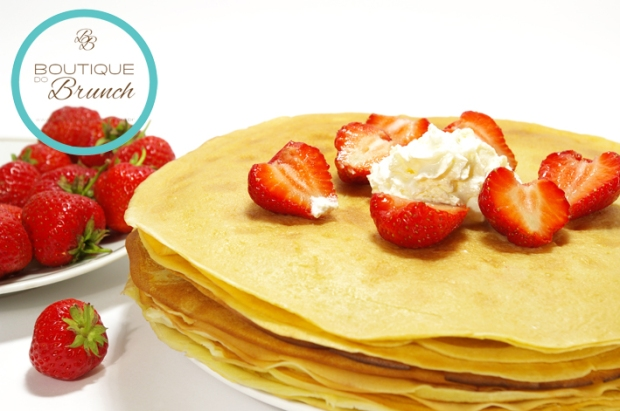 Pancakes filled with strawberry